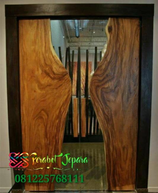 Pintu Kayu Solid Terbaru