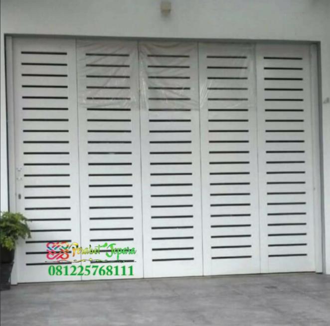 Pintu Garasi Minimalis Terbaru Pakai Engsel Dan Rel Wina