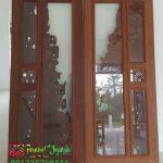 Pintu Panel Kaca Transparan Kayu Jati