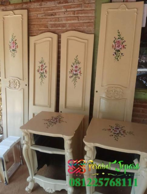Proses pelukisan furniture pintu lemari pakaian