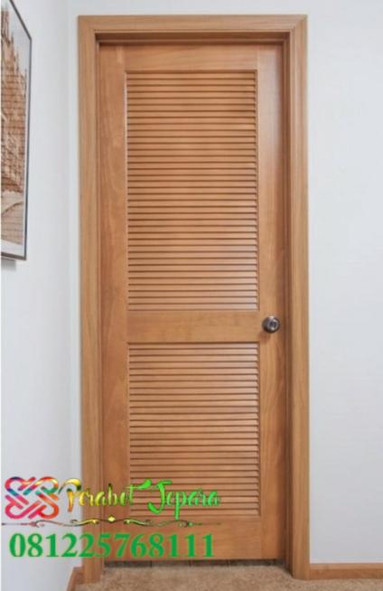Pintu kamar model jalusi atau krepyak kayu jati