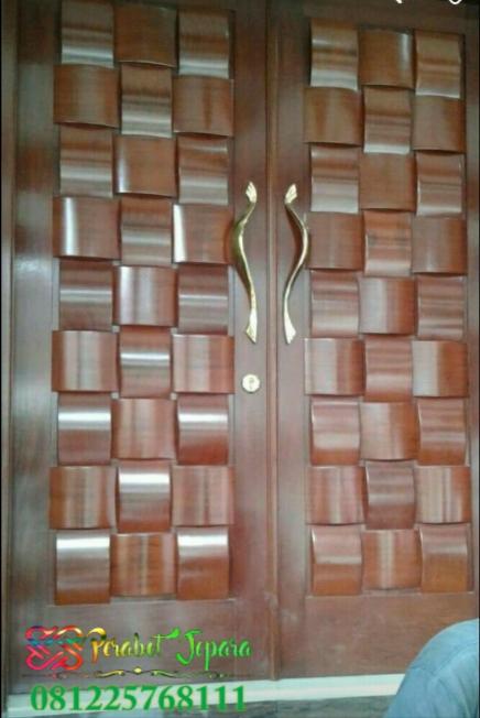 Pintu Kupu tarung minimalis motif tikar atau ketupat