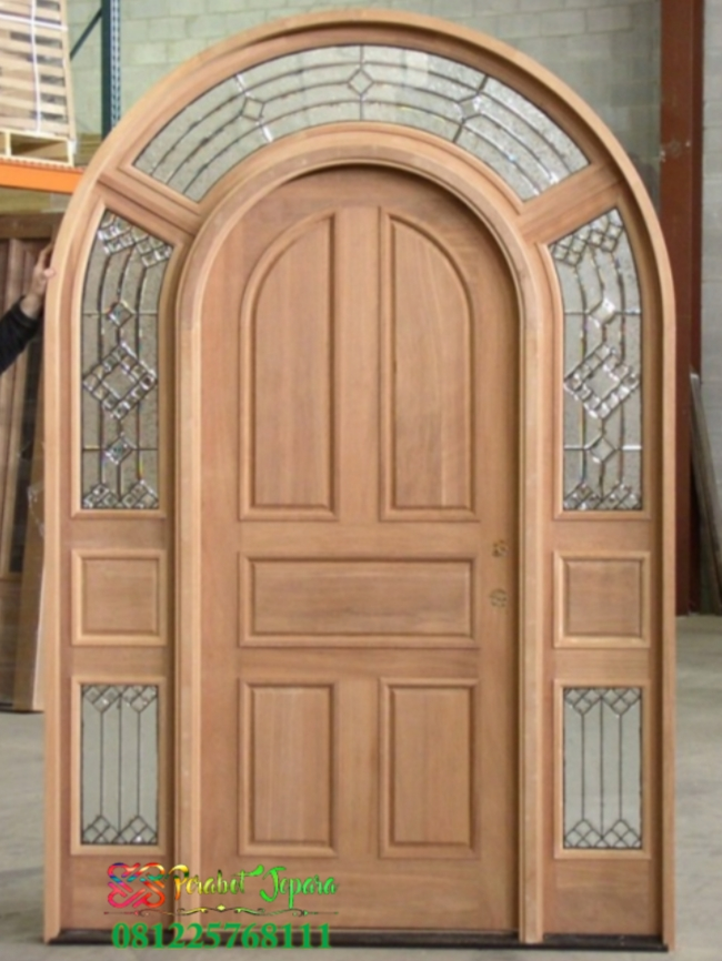 Kusen Pintu Depan Model Lengkung Plus Jendela Kaca